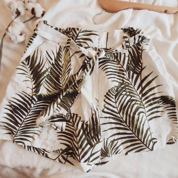 H & M Linen Blend Palm Tie Waist Paper Bag Shorts
